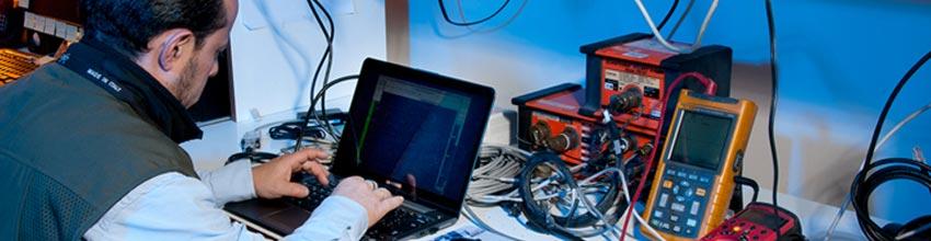 Materiales usados en un laboratorio de electrónica